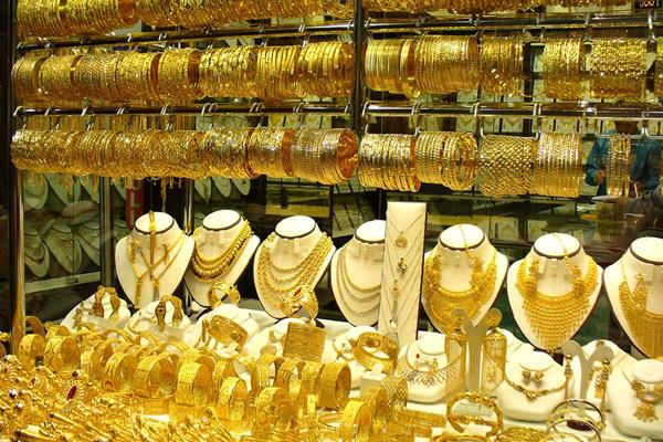 gold maintains upward trend on global cues jeweller buying