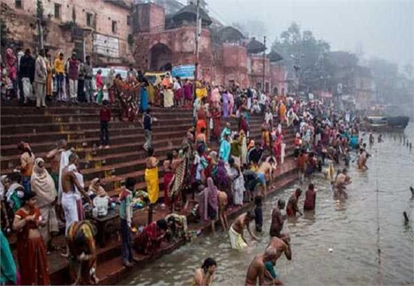 10 lakh pilgrims plunge into mandakini in chitrakoot