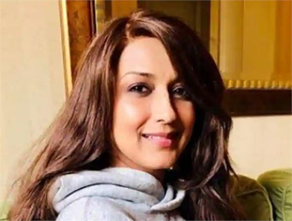 sonali bendre shares her new look wearing a wig writes an uplifting message