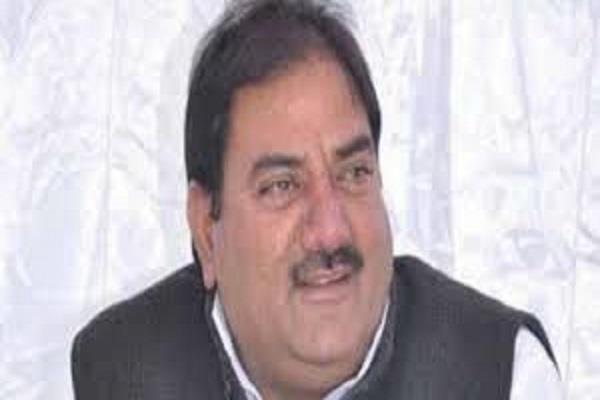 illegal mining representing chief minister in toshham khanak abhay chautala