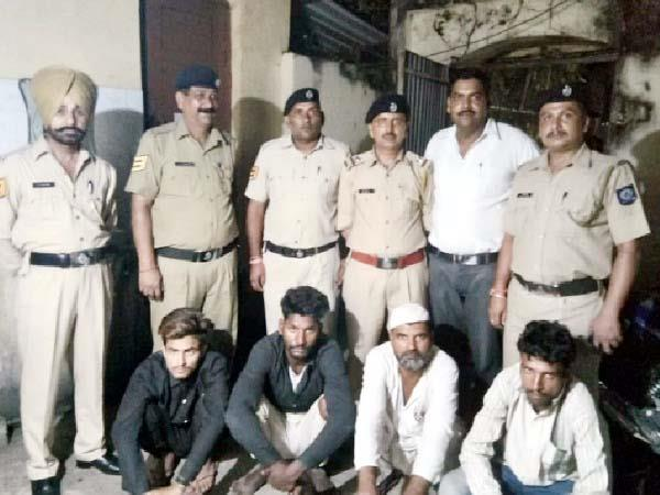 4 accused arrested in theft case of shuttering plates