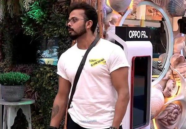 sreesanth is really using mobile phone in bigg boss 12 house