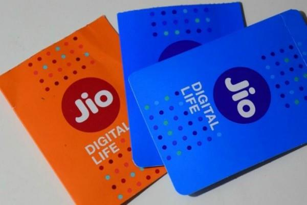 reliance jio topped the seventh month in 4g download speeds