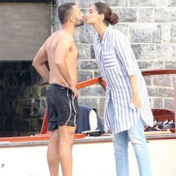 sonam kapoor anand ahuja romantic photo