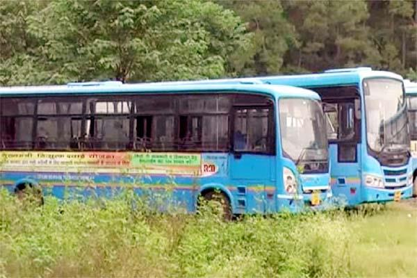 jnnurm buses aten the rust in bus stand