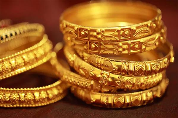 gold rises to rs 100 silver costs rs 275