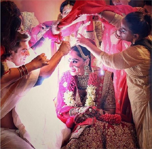 क्या आपने भी फेस की हैं शादी के बाद ये Embarrassing Moments?