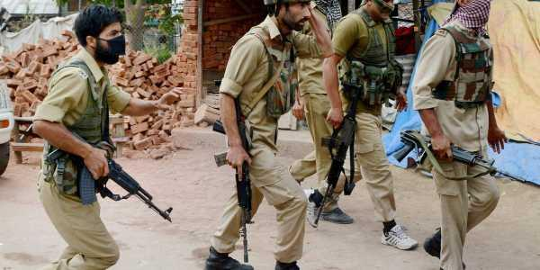 police cops leave the job in fear of militants kashmir