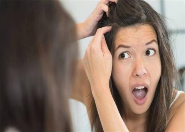बालों को काला नहीं और सफेद करेंगे ये नुस्खे! - Nari