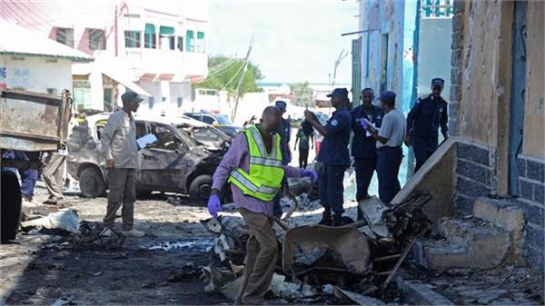 suicide car bomber kills three in somali capital mogadishu