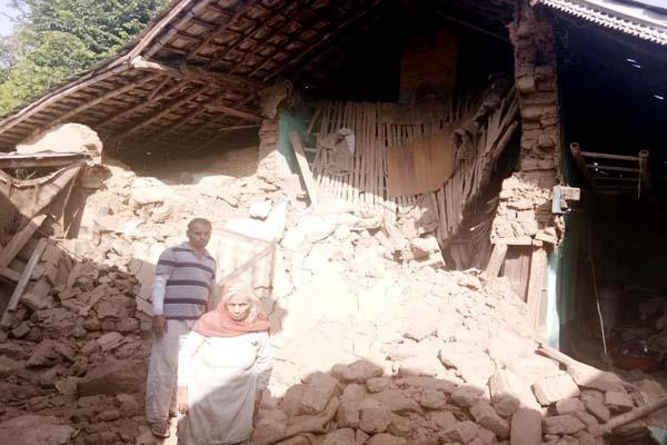 house collapsed in garli mother son under the debris