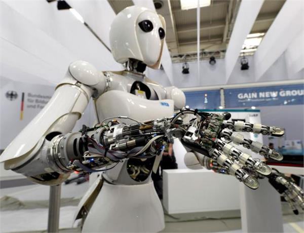 machines will do more tasks than humans by 2025 wef