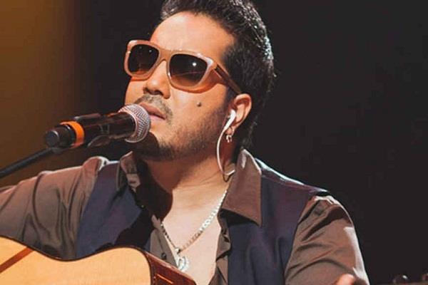 अरिजीत सिंह से बेहतर गा सकता हूं: मीका सिंह