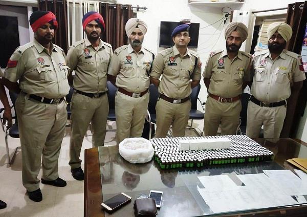 khanna police arrest 1 woman and 1 man