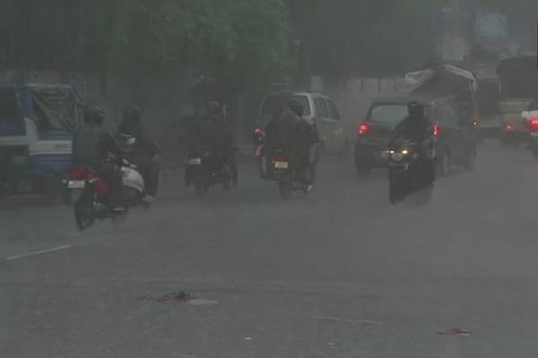 heavy rain continues in many districts of uttarakhand