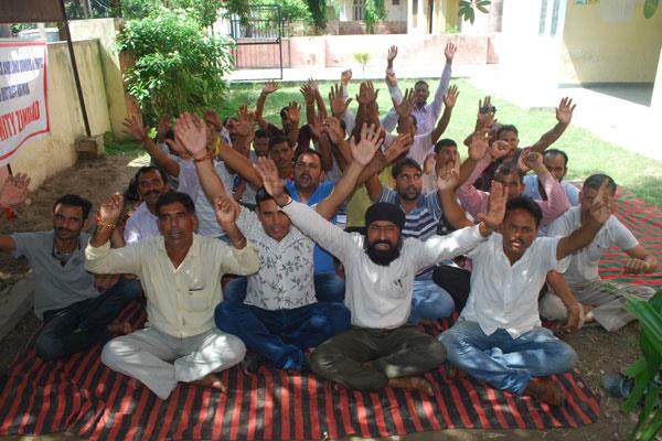 phe workers threaten hartaal against govt