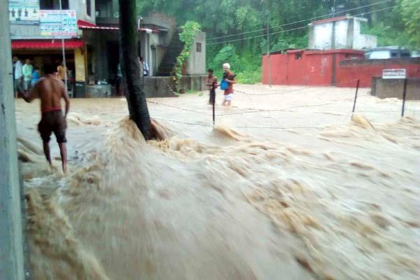 heavy rain devastation water enter in shops vehicle also float