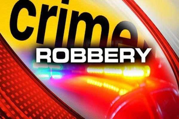 robbers stripped of rs 1 4 lakh man