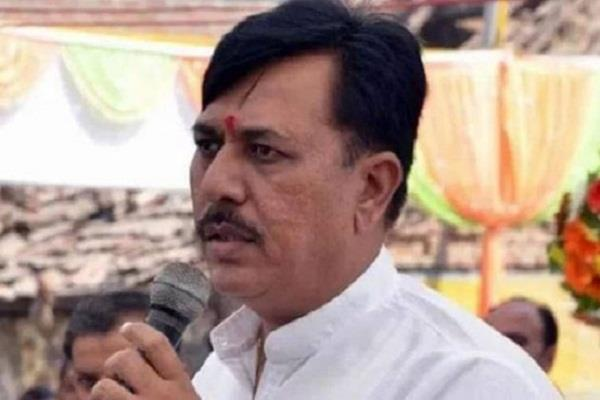 congress threatens to sit for 24 hours on friday in support of hardik