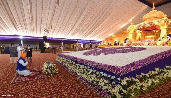 prime minister modi tweeted the punjabi congratulations to sikh followers