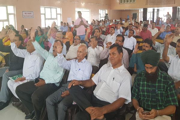 teachers celebrate teachers day in angry mood