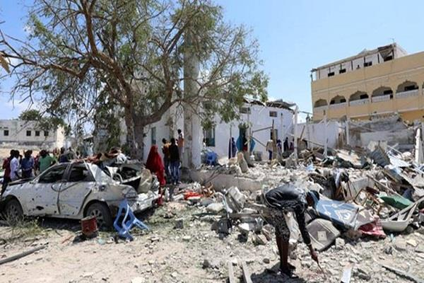 car bombing in mogadishu 6 people die