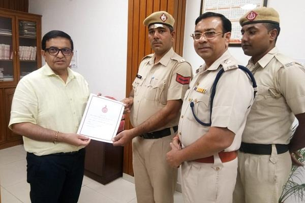 haryana police ehc and constable awarded for introduction of bravery