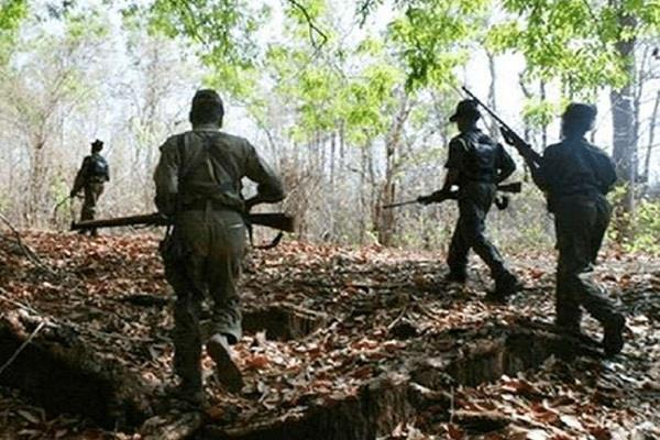 chhattisgarh four naxalites in police encounter
