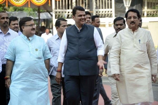 fadnavis retained the power of bjp in maharashtra