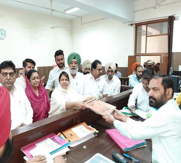 congress candidate indu bala filed nomination papers