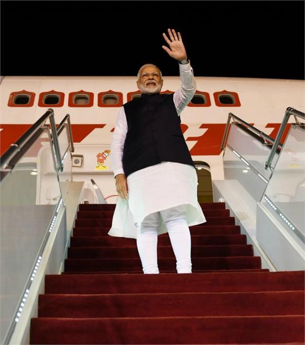 pm modi returned to india after completing saudi arabia tour