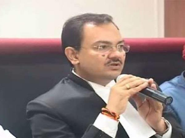eow attacks on former advocate general purushendra kaurava