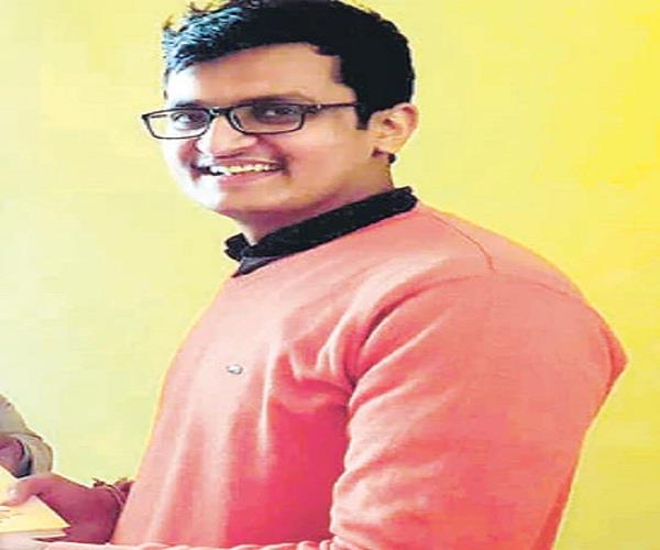 amit shukla of pratapgarh became the topper