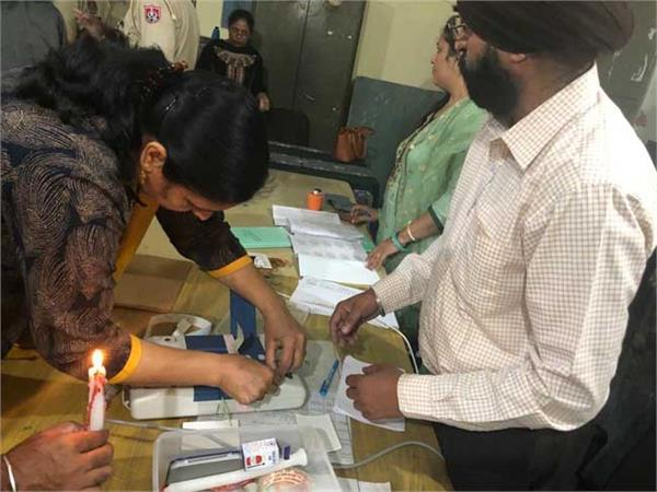 voting started late due to technical fault in evm machine