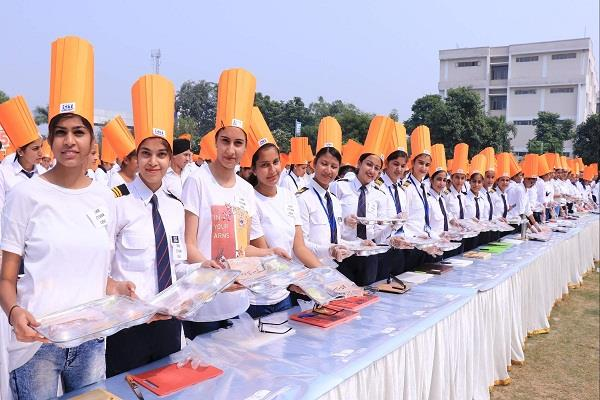 ct hotel management students prepare 550 sandwiches in 3 39 minutes