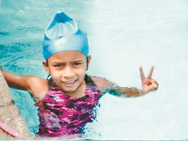 pavani bhatia does swimming under 25 feet of water