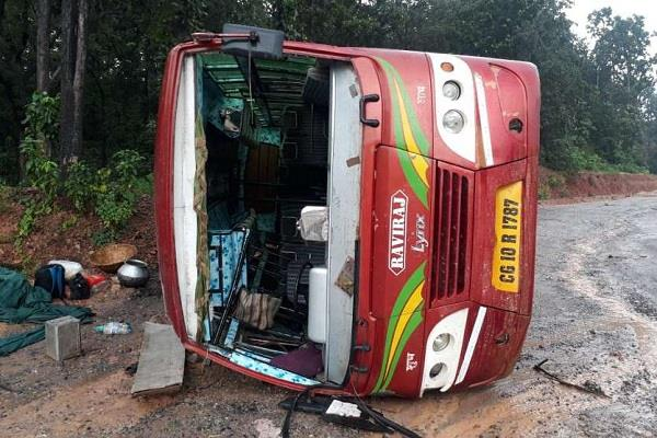 private bus overturns near railway bridge passenger injured