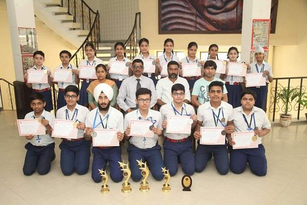 great performance by students in table tennis tournament