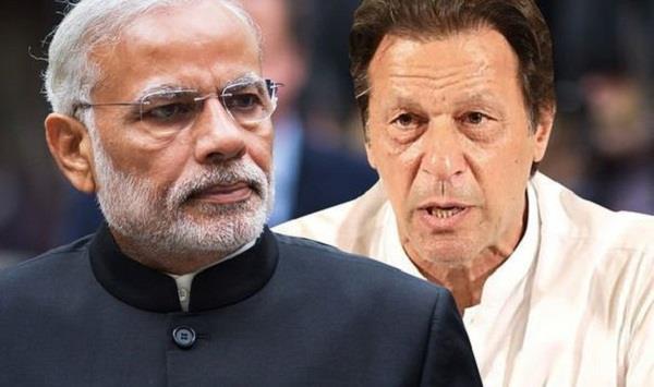 pak media criticise imran khan policies on kashmir