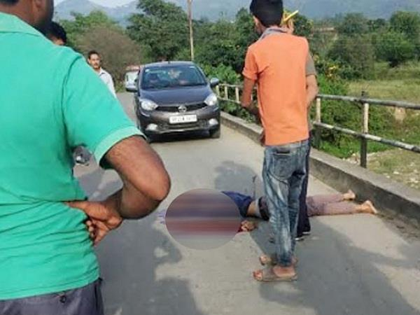a young man who was going to fill petrol got a painful death on the bridge