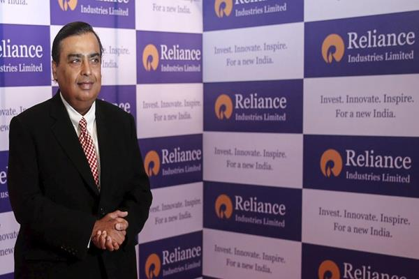 jio will be debt free by march 2020 ril will invest 1 lakh crore