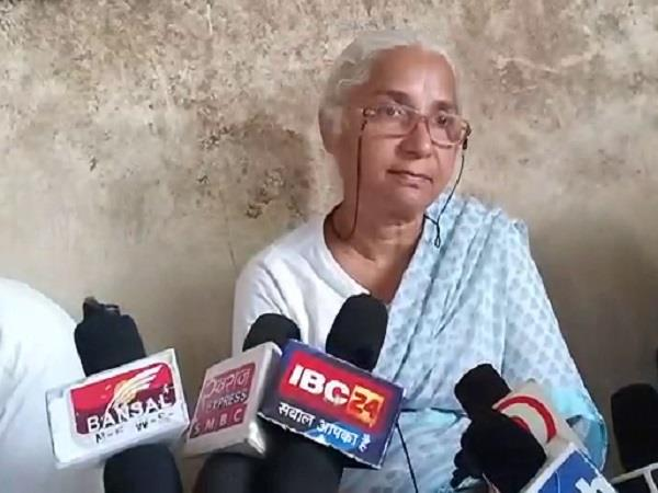 medha patkar attacks on kamalnath govt