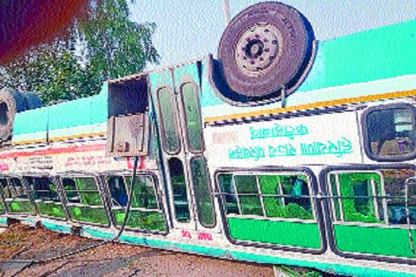 overload roadways bus overturning from side side 39 passengers injured