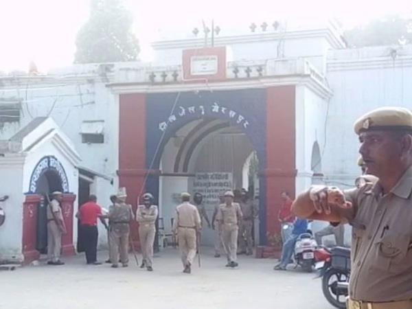 gorakhpur jail commotion