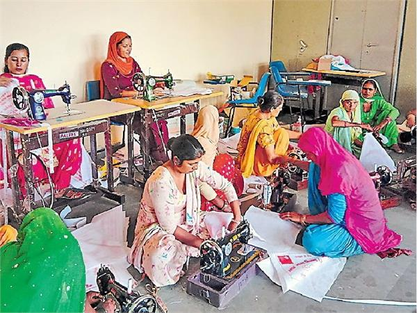 भारत को 'पॉलीथिन फ्री' बनाने में महिलाओं का अहम कदम, कल फ्री मिलेंगे कपड़ें के थैले