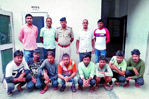 8 accused arrested for breaking and breaking masked hotels in hotel