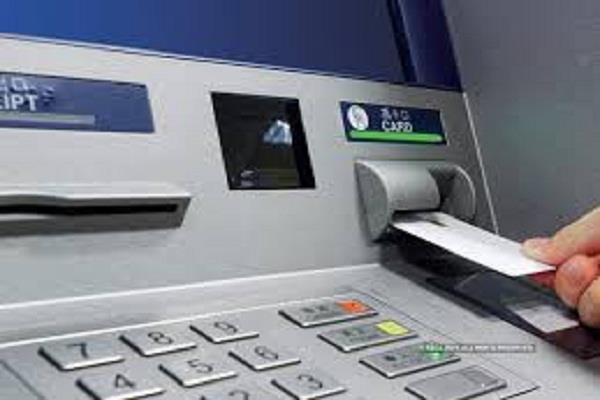 atm girl caught by a crook who snatched cards and money