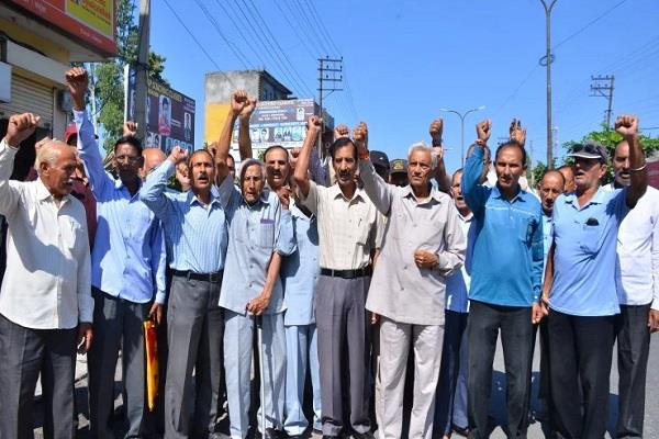 ex servicemen protest cease fire violation big action on pakistan