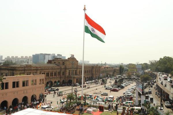 100 foot long tiranga will hosts on all 26 railway station