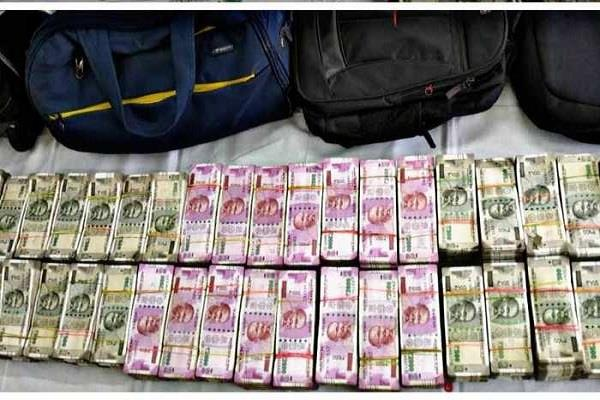 robbery robbery took place in broad daylight bag of stolen money